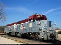 RailPictures.Net Photo: TNER 2166 Texas Northeastern Railroad EMD GP7U at Garland, Texas by David Hawkins - KB5WK: