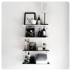 Vipp shelf - my home Shelf Styling, Small Spaces, Bathroom Inspiration, Floating Shelves, Shelves, Beauty Bathrooms, Interior, Home Decor, My Room