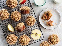 Orkiszowe muffinki z jabłkami - Przepis Cereal, Breakfast, Food, Morning Coffee, Essen, Meals, Yemek, Breakfast Cereal, Corn Flakes