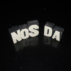 nos-da-ltrs_mn.jpg 500×500 pixels