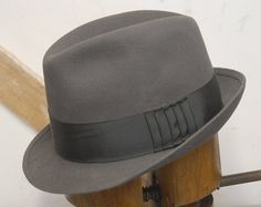 7daa051c3e851 Vintage 60 s Luckenwalder Traditional Back Bow German Wiefel Fur Pork Pie Fedora  Trilby Hat UK 7