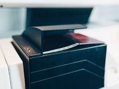 De ID-documentchecker controleert de echtheid en geldigheid van ID-documenten zoals ID-cards, paspoorten en rijbewijzen. ✔ Controle op werkvergunningen