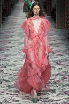 Gucci Spring 2016 Ready-to-Wear Fashion Show - Klementyna Dmowska