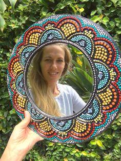 Dot Art Painting, Mirror Painting, Mandala Painting, Ceramic Painting, Mandala Art Lesson, Flower Letters, Clock Art, Madhubani Painting, Mirror Mosaic