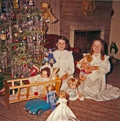 1964..now we're talking my time...they got a nice haul, Tammy, Thumbelina, Mary Poppins doll, Toodles doll, Tammy car and Kissy doll!