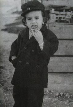 Young Gene Simmons