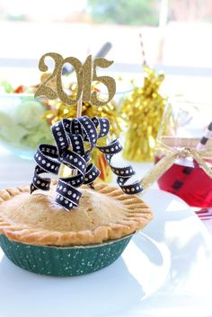 Simple ways to dress up a family dinner for New Years! #entertainingguests #newyearsparty