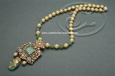 Indian Diamond Emerald Pendant