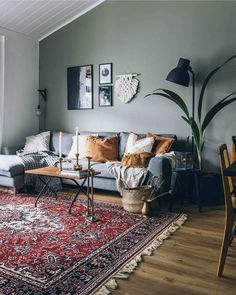 """Interior Inspiration on Instagram: """"Cosy living room 🍂 Credit: @essi.pinossa . . . . #eclectichome #eclecticdecor #eclecticstyle #cosyhome #cosyliving #livingroomdecor…"""""""
