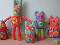 Cute crochet animals by debbie. Knit Or Crochet, Cute Crochet, Crochet For Kids, Crochet Dolls, Crochet Cats, Crochet Animals, Yarn Crafts, Softies, Crochet Projects
