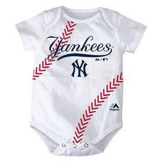 New York Yankees unisex baby one piece bodysuit creeper in white with iconic team logo at chest for little baseball fans. Bodysuit has lap shoulders for easy on/off and snaps at bottom for quick diape