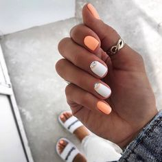 Want some ideas for wedding nail polish designs? This article is a collection of our favorite nail polish designs for your special day. Summer Acrylic Nails, Pastel Nails, Solid Color Nails, Nail Colors, Manicure Colors, Nail Manicure, Trendy Nails, Cute Nails, Cute Summer Nails