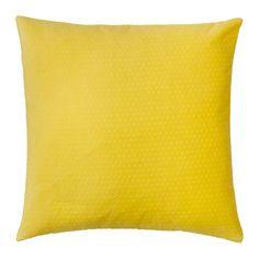 SOMMAR 2018 Kuddfodral IKEA Polyestersammet känns extra mjukt mot din hud. Dragkedjan gör fodralet enkelt att ta av.