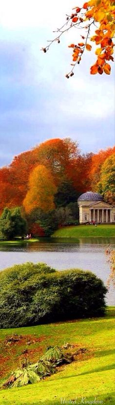 the grounds of Bleinheim Palace (birth place of Winston Churchill) - Woodstock, Oxfordshire, England