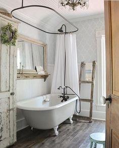 Clawfoot tub bathroom - Secrets To Small Bathroom With Clawfoot Tub And Shower 56 Diy Bathroom, Shower Tub, Bathroom Faucets, French Country Bathroom, Modern Bathroom, Clawfoot Tub Bathroom, Bathroom Design Small, Bathroom Design, Bathroom Decor