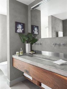 Is your home in need of a bathroom remodel? Give your bathroom design a boost with a little planning and our inspirational bathroom remodel ideas. Whether you're looking for bathroom remodeling ideas or bathroom pictures to help you update your old one, start with these inspiring ideas for master bathrooms #bathroomremodeling