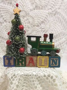 "Vintage Alphabet Blocks ""Train"" Christmas Bottle Brush Tree Wood  in Collectibles, Holiday & Seasonal, Christmas: Modern (1946-90), Other Modern Christmas 