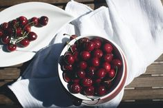 free food pictures Fresh cherries foodiesfeed.com