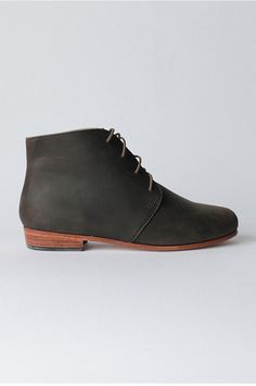 The perfect all season boot: Harper Chukka Boot in steel by Nisolo. Pair with jean shorts and a tee, a long white boho dress, or with skinny jeans and a tank. Built to last, amazing quality, ethically made.