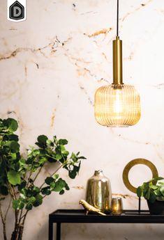 Deze moderne lamp LINNEA valt op dankzij zijn geribbelde glas. De hanglamp is gemaakt van metaal en amber glas. Het amber glas zorgt er voor dat de lamp extra sfeervol licht geeft. De afmeting van deze compacte hanglamp is 20x20x40,5 cm.  Hanglamp Linnea maakt deel uit van een serie en is daarom verkrijgbaar in verschillende kleuren en maten.    #dutchhomelabel#lightandliving#lightliving #verymodern #hanglamp #glas#interieurinspiratie  #interieurstyling#binnenkijken Bronze, Mom And Dad, Light Bulb, Design Inspiration, Ceiling Lights, Lighting, Home Decor, Contemporary Lamps, Household