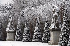 Il a neigé sur Versailles Versailles, Palace, Long Winter, Claude Monet, Winter Garden, Beautiful Paintings, Impressionist, Color Show, Winter Wonderland