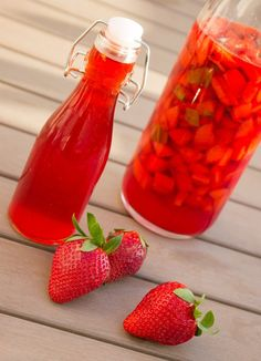 Strawberry vinegar and basil – Fragrance Ideas Antipasto, Strawberry Vinegar, Cooking Time, Cooking Recipes, Cuisine Diverse, Healthy Recepies, Homemade Butter, Warm Food, Cold Meals