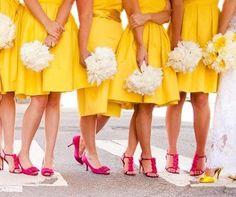 Vestido das madrinhas em amarelo - Pantone 2017 Primrose Yellow