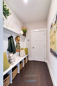 Is a foyer with seating and storage the perfect entrance to a home? Rate the room on a scale of 1 to 10!