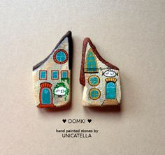 Little House by Unicatella #unicatella #paintedstones #kamieniemalowane #littlehouses