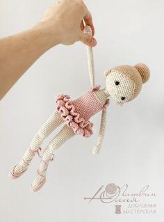 Crochet Doll Tutorial, Beginner Crochet Tutorial, Crochet Doll Pattern, Crochet Fairy, Crochet Bunny, Cute Crochet, Knitted Dolls, Crochet Dolls, Crochet Mignon