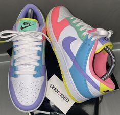 All Nike Shoes, Kicks Shoes, Hype Shoes, Sneakers Nike, Teen Girl Shoes, Swag Shoes, Thing 1, Dream Shoes, Shoe Closet
