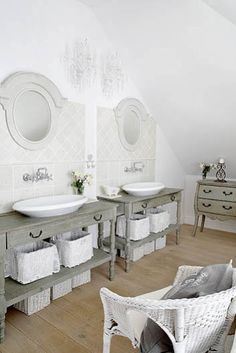 Shabby chic bathrooms on pinterest french bathroom tubs for French shabby chic bathroom ideas