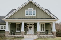 4 bed northwest house plan with bonus room - bungalow, craftsman, n Barn House Plans, Craftsman House Plans, Country House Plans, Dream House Plans, House Floor Plans, Craftsman Style, Rustic Houses Exterior, Craftsman Bungalows, Bedroom Layouts