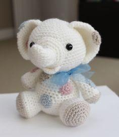 Amigurumi Crochet Patrón maní el elefante por littlemuggles, $5.00
