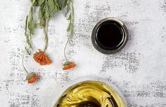 Nalewka na dobrą krew   Ziołowa Wyspa   Małgorzata Kaczmarczyk Tonik, Alcoholic Drinks, Wine, Tableware, Glass, Food, Alcohol, Dinnerware, Drinkware