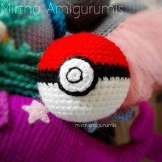 Pokeball / pokemon #crochet #Guayaquil  #Ecuador #tenido #pokemongo #Nintendo #videogame