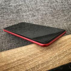 iPhone 7 PLUS 256GB BALCK on RED