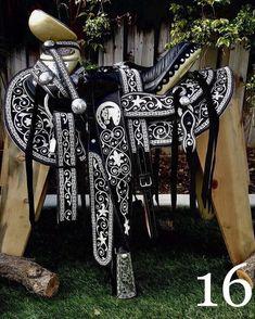 No se puede comparar con la calidad de nuestras Monturas 100% hechas a mano! Pregunta por detalles!! Informes: (323) 697-6033 Tel. EU (whatsap) Sólo compradores serios!  #Monturas #MonturasYMonturas #Caballos #Yegua #Rodeo #Jaripeo #HechaEnMexico #Autentica #Rancho #Descuento #Banda #Pita #Horses #HorseSaddle