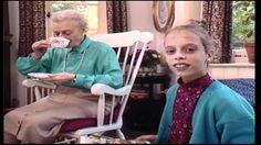 Kinderen voor Kinderen 10 - M'n oma Gezongen door Eva Vara 1989 Tekst: M'n oma…