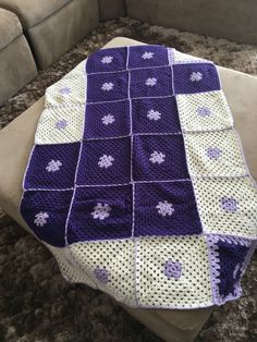 Aproveito todas as sobras de lã para montar as colchas