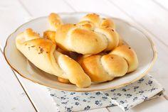 Domácí rohlíky Fries, Pizza, Peach, Bread, Baking, Recipes, Food, Brot, Bakken