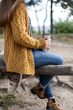 Thanksgiving Outfits Women Women's clothing Festive Look Fall Winter Outfits, Autumn Winter Fashion, Modest Fashion, Fashion Outfits, Knit Cardigan, Mustard Cardigan Outfit, Chunky Cardigan, Zooey Deschanel, Mode Inspiration