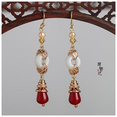Jewelry Design Earrings, Jade Jewelry, Unique Earrings, Jewelry Art, Jewelry Accessories, Fashion Jewelry, Drop Earrings, Hanfu, Ancient Jewelry