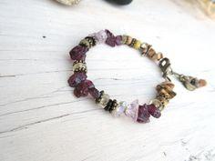 Bracelet : éclats de grenat; de paspe paysage, perles picasso, fluorite ....