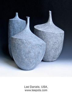 Check out this wonderful pottery inspiration - what a clever design and style Ceramic Pots, Ceramic Clay, Porcelain Ceramics, Modern Ceramics, Contemporary Ceramics, Pottery Vase, Ceramic Pottery, Coil Pots, Pottery Designs