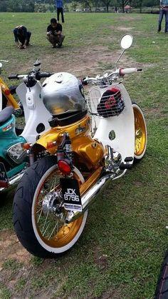 a bit beefier than I'd want for my own, but very nice custom job Honda Cub, C90 Honda, Custom Moped, Custom Bikes, Vintage Bikes, Vintage Motorcycles, Virago Cafe Racer, Triumph Bobber, Riders On The Storm