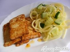 Mézes-mustáros füstölt tofu uborkás cukkinispagettivel | Fitt Nők blog Tofu, Spaghetti, Meat, Chicken, Ethnic Recipes, Blog, Blogging, Noodle, Cubs
