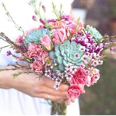 So beautiful bouquet 🌸🌸🌸 📷@botanicalbright . . #succulents #succulent #succulentsofinstagram #succulentlove #succulentobsessed…