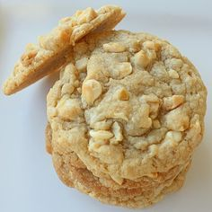 White Chocolate Chip Macadamia Nut Cookie