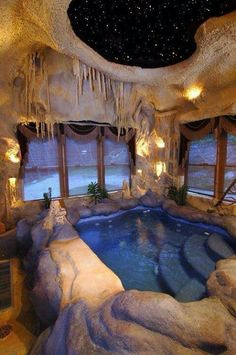 Planning on building your own indoor pools on your home? Then you will need some inspirations and ideas, let's take a look at these pictures of indoor pools below. Indoor Pools, Lap Pools, Backyard Pools, Pool Decks, Pool Landscaping, Indoor Jacuzzi, Jacuzzi Room, Sunken Bathtub, Big Bathtub